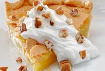 Pies and Pastries / by Dessert & Wedding Darling