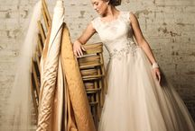 (*)Wedding Gowns / by Sandy Lussier