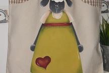 pintura em tecido / by Crista L Seibel