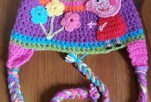 Gorros crochet / by Patty Mares Cortez
