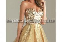 Dresses / by Savannah Skipper