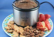 Mini crock pot/warmer / by Audry Battiste