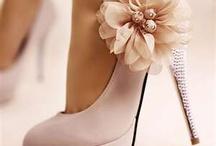 les chaussures / by Amanda Black
