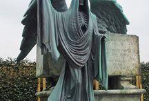 Grave Markers / by Lesann Berry