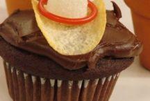 Cupcakes / by Geri Walker