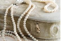 Fashon - Jewels / by Lena Ward