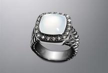rings! / by Bianca Villagomez