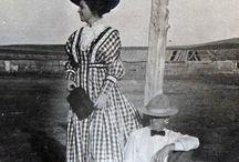 1900 photos d'époque - femmes / by P.G. Gilles