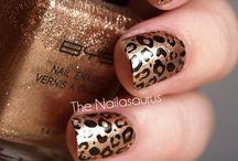 Nail designs :) / by Lynn Gerber