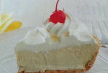 Dessert / Sweet treats / by Chanda Nielsen