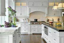 Kitchen / by Laura Neil