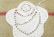 Crochet: puro blanco (III parte) / by Beatriz Villordo