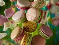 Macarons, cupcakes and wedding cakes / To me, there is nothing more beautiful than these sweet treats... / by Tammy Hatfield