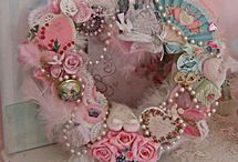 Oh Yes! Beautiful Wreaths! / by Denise Majko