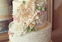 Cakes/Love the Flowers / by LeeAnn Slauson