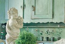 fabulous furniture / by allison plunkett-Williamson