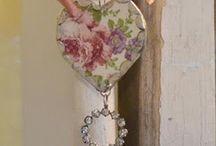 shabby chic crafts / by Maria Getz