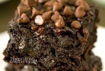 Food: Dessert Cake/Brownies / by Stephanie McLean