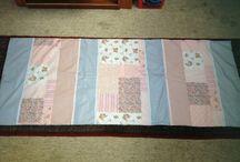 Pieceras patchwork,caminos de mesa y manteles / by Mirna Altamirano