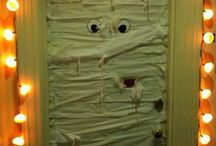 Dorm Door Decor! / by Molly Schneider