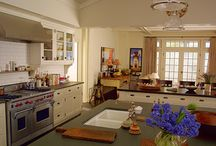 Kitchens / by Christine Kroes