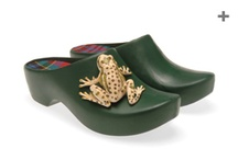 Froggy Bottoms Clogs / by Margaret Yoh