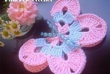 Flores e borboletas em crochet / by Carla Antunes