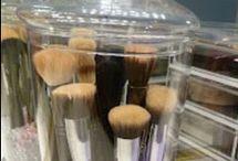 Ideas para Organizar el maquillaje / by Thais Wever