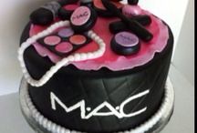 AWESOME Cakes! / by Andrea Mitchell