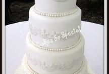 Some wedding ideas!  / by Alyssa Tolley
