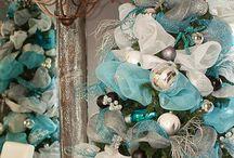 Christmas Trees/Mantels/Decor / by Debbie Lake