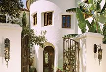 Mediterránean homes and spanish style / Houses and homes stayle / by Macan Rosabal