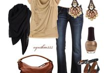 outfits / by Laura Morrina