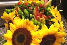 Flower arrangements / by Nan Evans