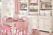 Craft Rooms.... / by Cheryl Rathburn
