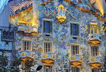 cool architecture / by Rachel Grubb