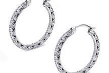 Diamonds/Jewellery / by Divya Kudua