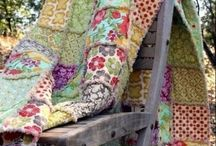 Country Quilts & Throws / by Lisa Hagy
