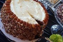 Tasty Desserts / by Christine Reeves