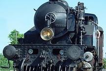 Track n Trains / by Lee Hendershot