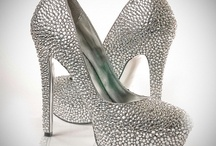 Bridal Shoes / Oh my god, shoes. / by deBebians