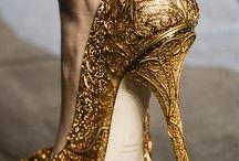 Shoe's / by Maria Alvarado