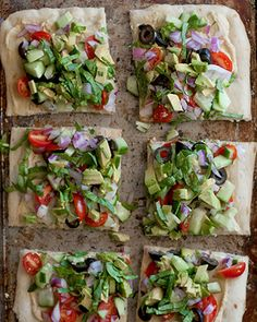 No Bake Pizza w/ Hummus, Avocado and Veggies - use gf pita bread...i'm sure sprouts would go perfectly on this pizza!