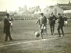 #Scotland : The world's first international football match took place at Hamilton Cresent in Glasgow on November 30th, 1872 between Scotland & England.