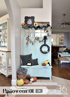Halloween Entryway Decor... Tons of fun ideas and FREE PRINTABLE!