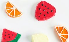 Farmers Market Inspired Fruit Cakes Recipe ==> http://www.craftdiyideas.com/farmers-market-inspired-fruit-cakes-recipe/