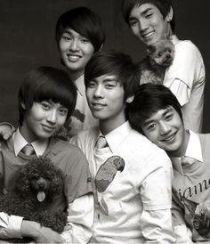 SHINee family photo :3