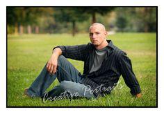 outdoor senior boy pose