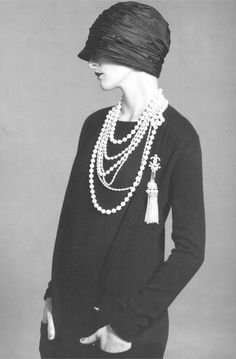 the-roaring-twenties coco chanel, 1920, 20s fashion, 1930s fashion, pearl necklaces, flapper, tassel, cloche hats, vintage chanel