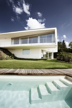 Villa P, Graz, 2011 http://bit.ly/z3j7mP #architecture #design #archilovers #swimmingpool